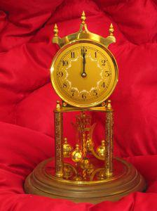 Gold clock picture